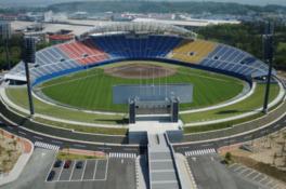 秋田県立野球場(こまちスタジアム)