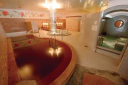 癒しを追求したハイグレードな女性主浴室。アメニティグッズの種類も豊富