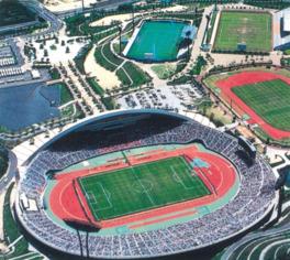 エディオンスタジアム広島 収容人数5万人を誇る大型スタジアム サンフレッチェ広島の本拠地である多