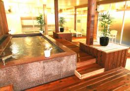 神戸ウォーターに炭酸ガスを溶け込ませた女湯限定の炭酸泉