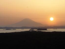 千葉県立富津公園 明治百年記念展望塔