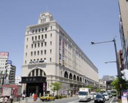 ビルのシンボルの時計台も1931年当時のデザインを参考に復元