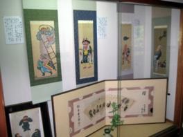 独特の筆致、色彩で描かれた大津絵の数々
