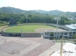 全国高等学校野球選手権鳥取大会の会場としても使用されている
