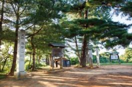 春日山城の本丸跡