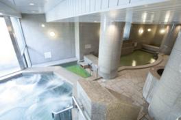 開放感あふれる女性用の大浴場