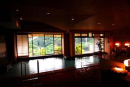 栄楽泉と市営泉の2つをブレンドした天然温泉