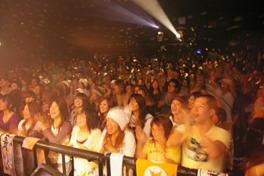 スタンディングで最大で600人を収容する大型ライブハウス