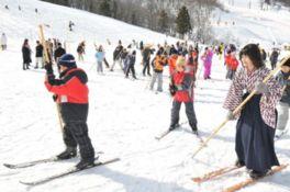 日本スキー発祥の地で行われるレ...