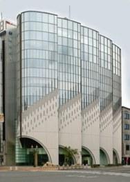 白鷺をイメージした建物は第8回姫路市都市景観賞を受賞