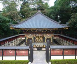 桃山文化の名残を留める華やかな瑞鳳殿