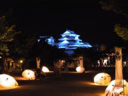 重要文化財の櫓特別公開および「お城の昔語り」は両日開催される