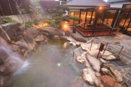 充実のアメニティで、手ぶらで気軽に天然温泉も楽しめる