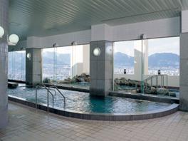 温泉は地下1800mからくみ上げた天然温泉を使用