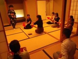 夜の癒しの茶道教室