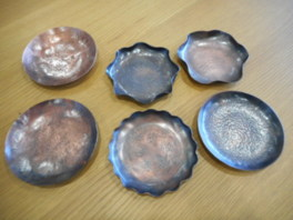 「燕」の伝統工芸 鎚起銅器で小皿制作(10月)