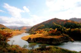 【紅葉・見ごろ】錦秋湖