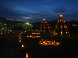 11月24日(金)には「キャンドルナイトin南楽園」を開催。ろうそく持参で入園料無料