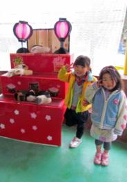 テンジクネズミの雛壇