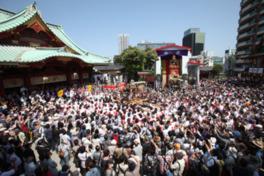 江戸時代から続く伝統の祭りは迫力満点