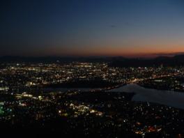 百万ドルの夜景と言われるほどの美しさ