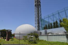 巨大プラネタリウムドームが特徴的な科学館