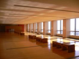 32階展望ホールの様子(群馬の山々や夜景が楽しめる)