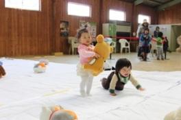 赤ちゃんヨチヨチ歩き競争(6月)