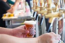全国のご当地ビールが一堂に揃う