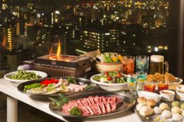 広島市内の夜景を見ながらホテル自慢のグルメを楽しめる