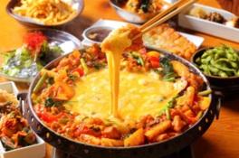 ピリ辛タレとチーズが絶妙なチーズタッカルビコース