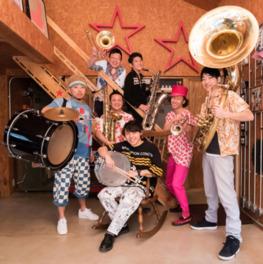 関西出身のニューオリンズスタイルブラスバンド、ブラックボトムブラスバンドがゲスト出演(7月29日予定)