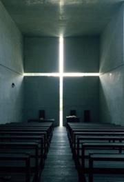 「光の教会」など安藤忠雄の代表作が並ぶ