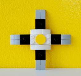 オリジナルスピナーは計16ピースのレゴ(R)ブロックのみで制作され、実際にクルクルと机上で回る