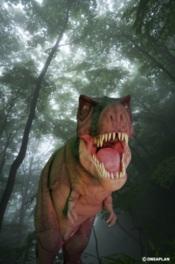 巨大恐竜!「T-REXウォーキングショー」