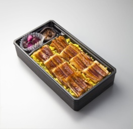 穴子をふんだんに使った長崎県おはしのくにの「対馬あなご飯」(1折1296円)