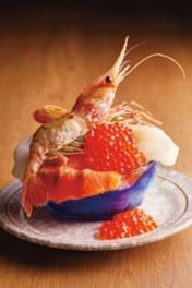 すずや食堂「こぼれ海鮮丼」(2160円、各日20食限り)