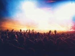 海外、国内で活躍する人気DJがハウステンボスに集結