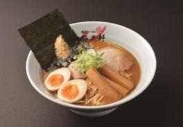 アジア各地でも人気の高い梅光軒の「北海道鮭節ラーメン」(1080円)もイートインで食べられる