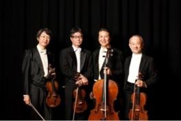 ヴァイオリン、ヴィオラ、チェロのハーモニーが人々を魅了