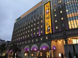 大丸札幌店の外観もハロウィン仕様に早がわり ※写真はイメージです