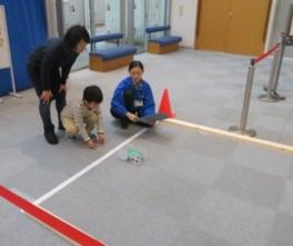 車はチャレンジ教室「ゴムで動く車をつくろう」で作ることもできる。詳細は公式サイトで確認