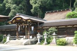 境内には重要文化財の本殿をはじめとした社殿が多くある