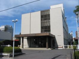 八戸市美術館