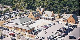 併設された道の駅では地元の食材が購入できる