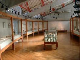 バーナード・リーチは英国の陶芸家で日本を度々訪問した