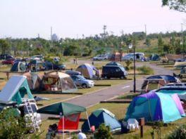 大阪湾に浮かぶ人工島にあるキャンプ場