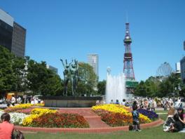 観光スポットとして多くの人が訪れる