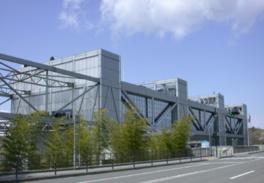 施設は鉄筋コンクリート造の地上5階建