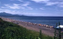 子供も楽しめる遠浅のビーチ